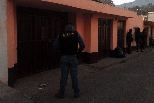 Policía captura a cuatro presuntos delincuentes