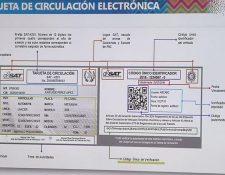 La SAT mostró el modelo de la tarjeta de circulación electrónica que se puede obtener por la Agencia Virtual. (Foto, Prensa Libre: Hemeroteca PL)