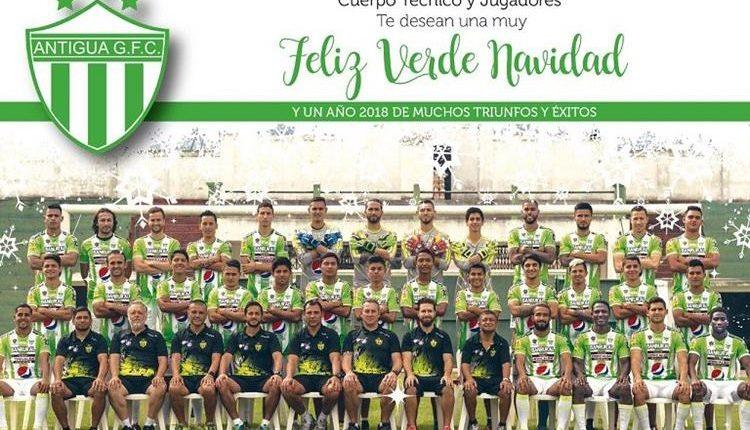 Los coloniales tuvieron un fin de año de ensueño al coronarse campeones del futbol nacional. (Foto Prensa Libre: Antigua GFC)