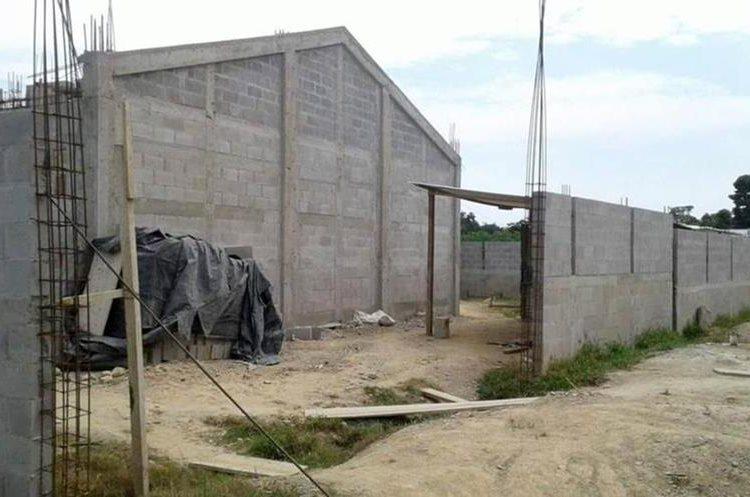 En El Estor, Izabal, un centro de salud no ha sido concluido. (Foto Prensa Libre: Hemeroteca PL)