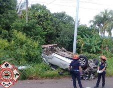 Elementos de Bomberos Municipales Departamentales asisten a víctimas (Foto por: @CBMDEPTAL)