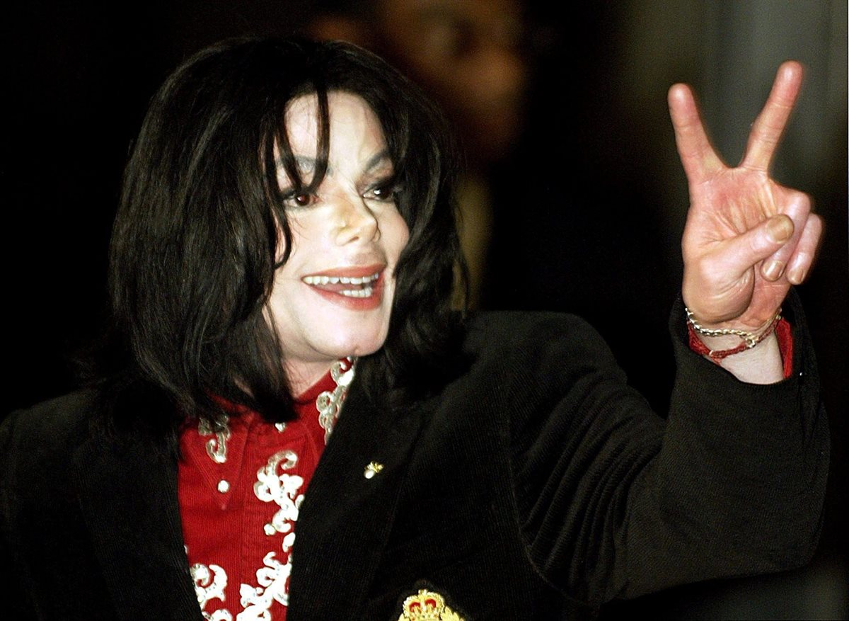 """El proclamado """"Rey del Pop"""" habría cumplido 60 años este 29 de agosto de 2018. Jackson murió el 25 de junio de 2009 a los 50 años tras sufrir un paro cardíaco. (Foto Prensa Libre: EFE)."""