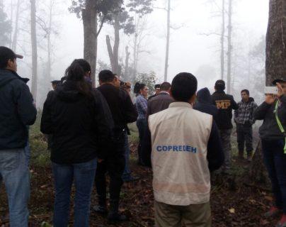 Fuerzas de seguridad coordinan desalojo en la finca Santa Inés, Santa Cruz Verapaz, Alta Verapaz. (Foto Prensa Libre: PNC)