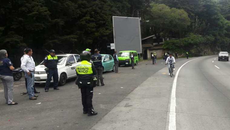 Personal de la Municipalidad de Mixco efectuó un operativo en el km 23.5 de la ruta Interamericana. (Foto Prensa Libre: Cortesía Muni Mixco)