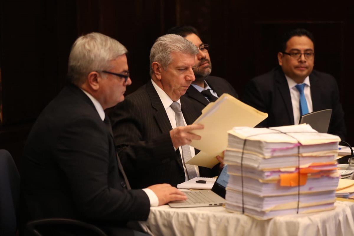 Representantes de Cicig acuden al Congreso para presentarse ante la Comisión Pesquisidora. (Foto Prensa Libre: Esbin García)