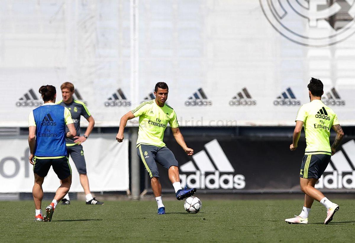 El Real Madrid volvió a los entrenamientos de cara a la final de la Liga de Campeones de Europa del día 28 contra el Atlético de Madrid. (Foto Prensa Libre: Real Madrid)