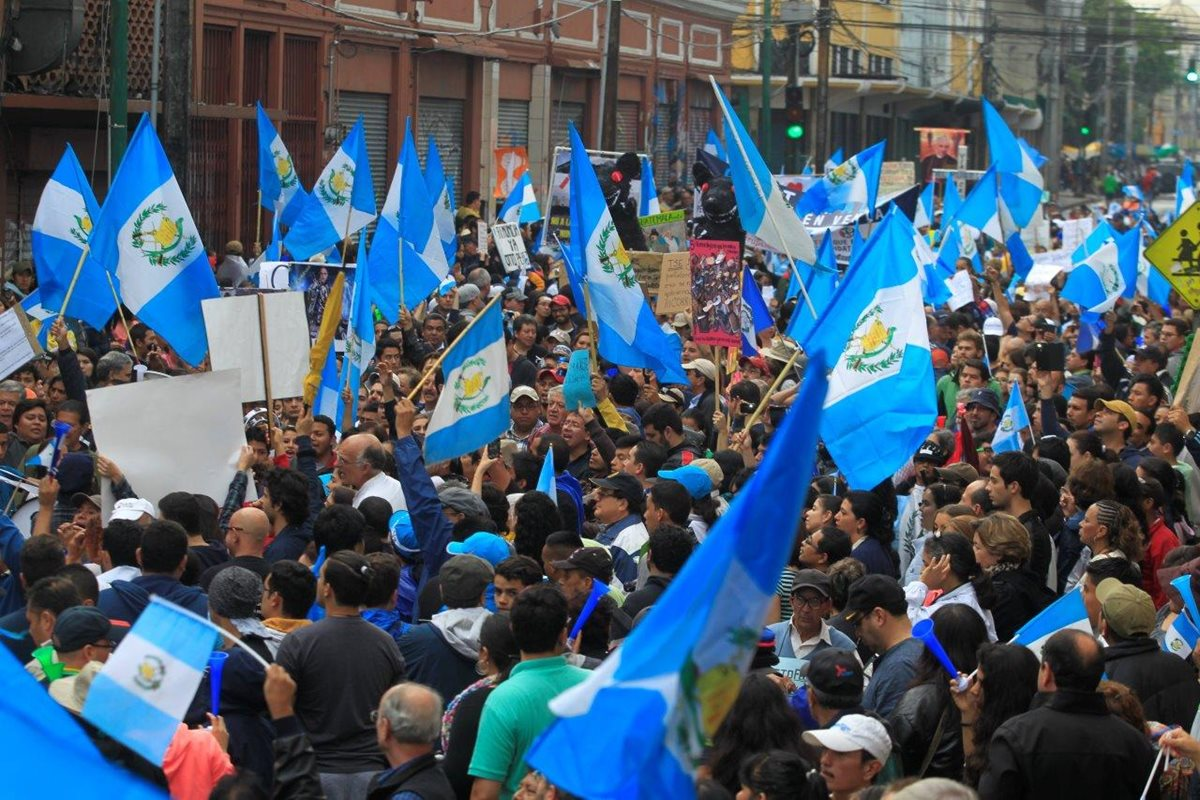 El símbolo patrio ha sido protagonista de las protestas populares.