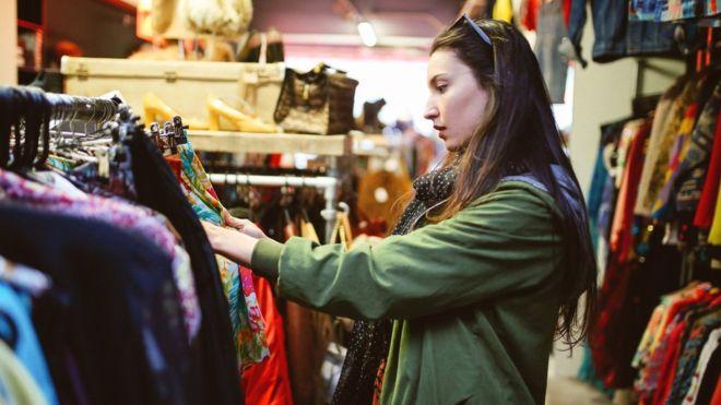 ¿Acabará el alquiler de ropa imponiéndose a la compra en el mundo de la moda? (GETTY IMAGES).