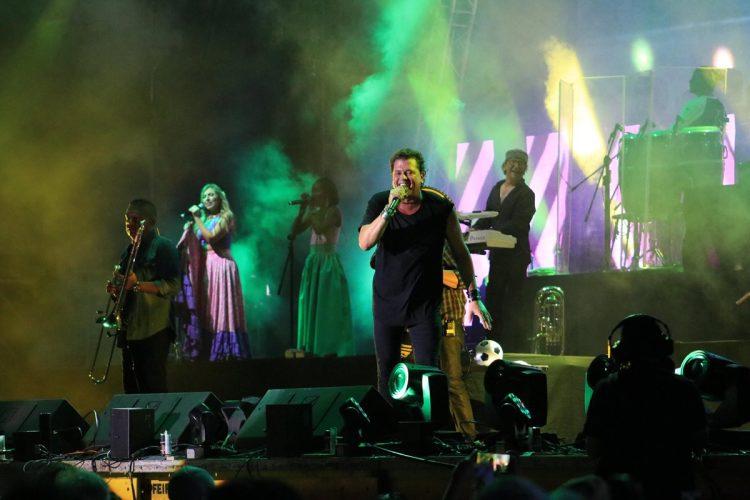 Carlos Vives con su vallenato puso a bailar a los asistentes durante el primer concierto del Gallo Evolution 2018.
