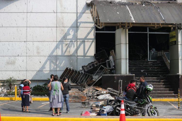 El incendio fue reportado por los cuerpos de socorro a las 00.20 horas del domingo 13 de mayo.