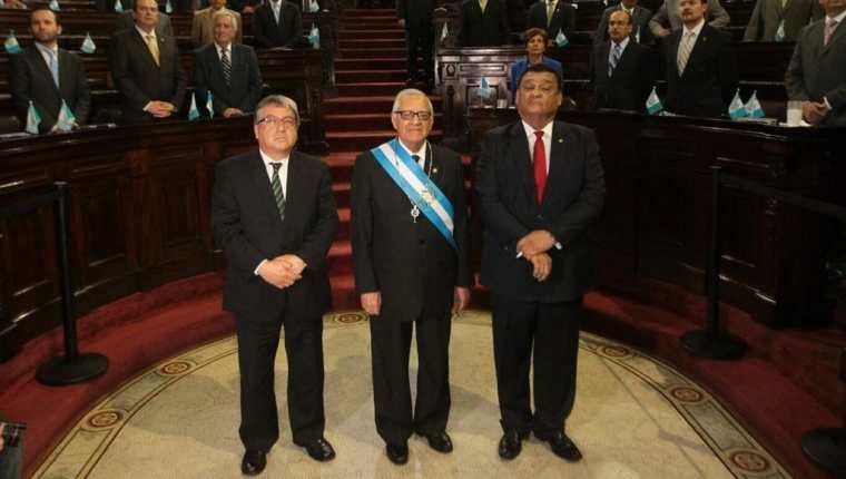Alejandro Maldonado es juramentado Presidente de la República en el Congreso. (Foto Prensa Libre: Álvaro Interiano)