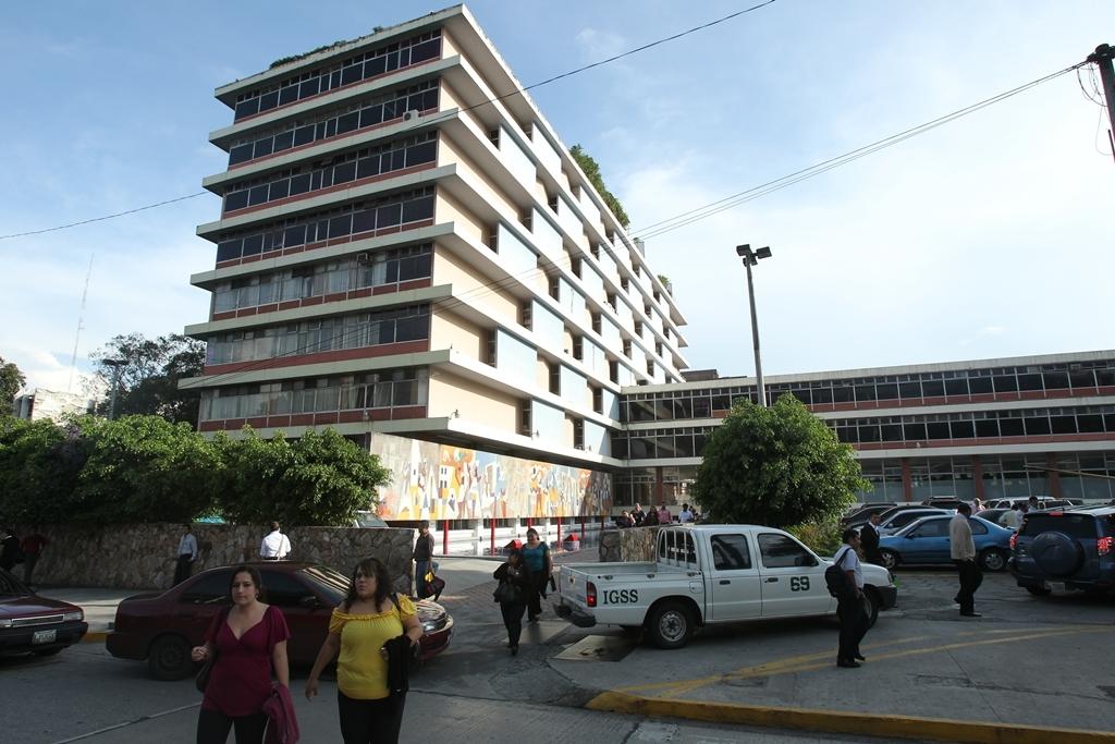 A partir de esta semana los afiliados al IGSS pueden consultar en la página electrónica si el patrono pagó sus cuotas mensuales. (Foto, Prensa Libre: Hemeroteca PL)