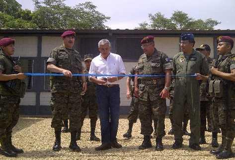 el presidente Otto Pérez Molina inaugura la sede que albergará la Brigada Especial de Operaciones en La Libertad, Petén, para combatir a grupos de traficantes.
