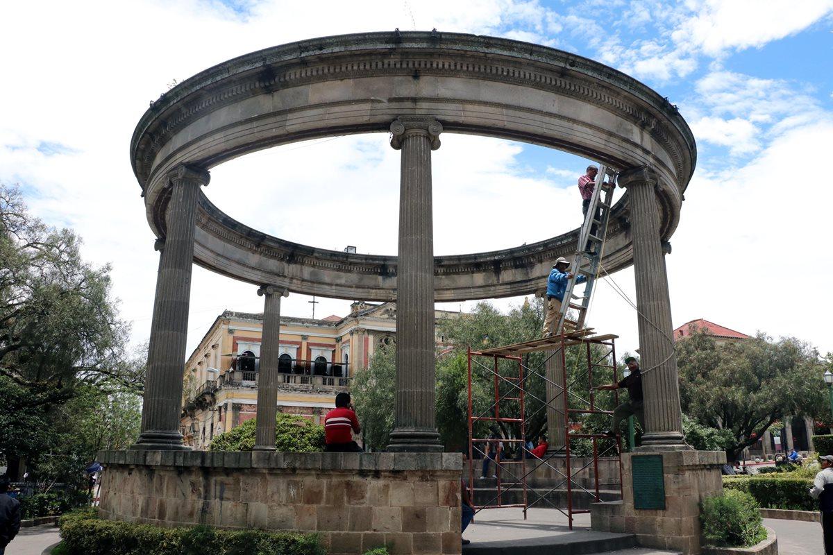Parque central de Quetzaltenango. Ese departamento es uno de los incluidos en la nueva advertencia de viaje emitida por EE. UU. (Foto Prensa Libre: Hemeroteca PL)