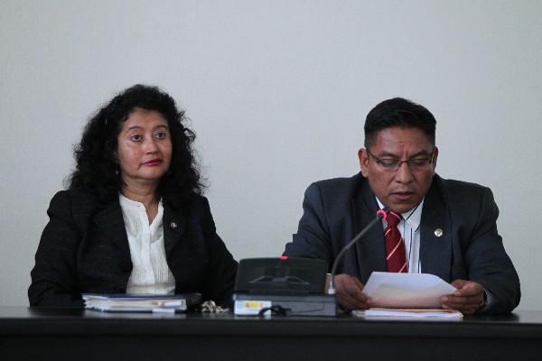 Yassmin Barrios es sancionada de forma privada por incurrir en falta en el juicio contra Ríos Montt.