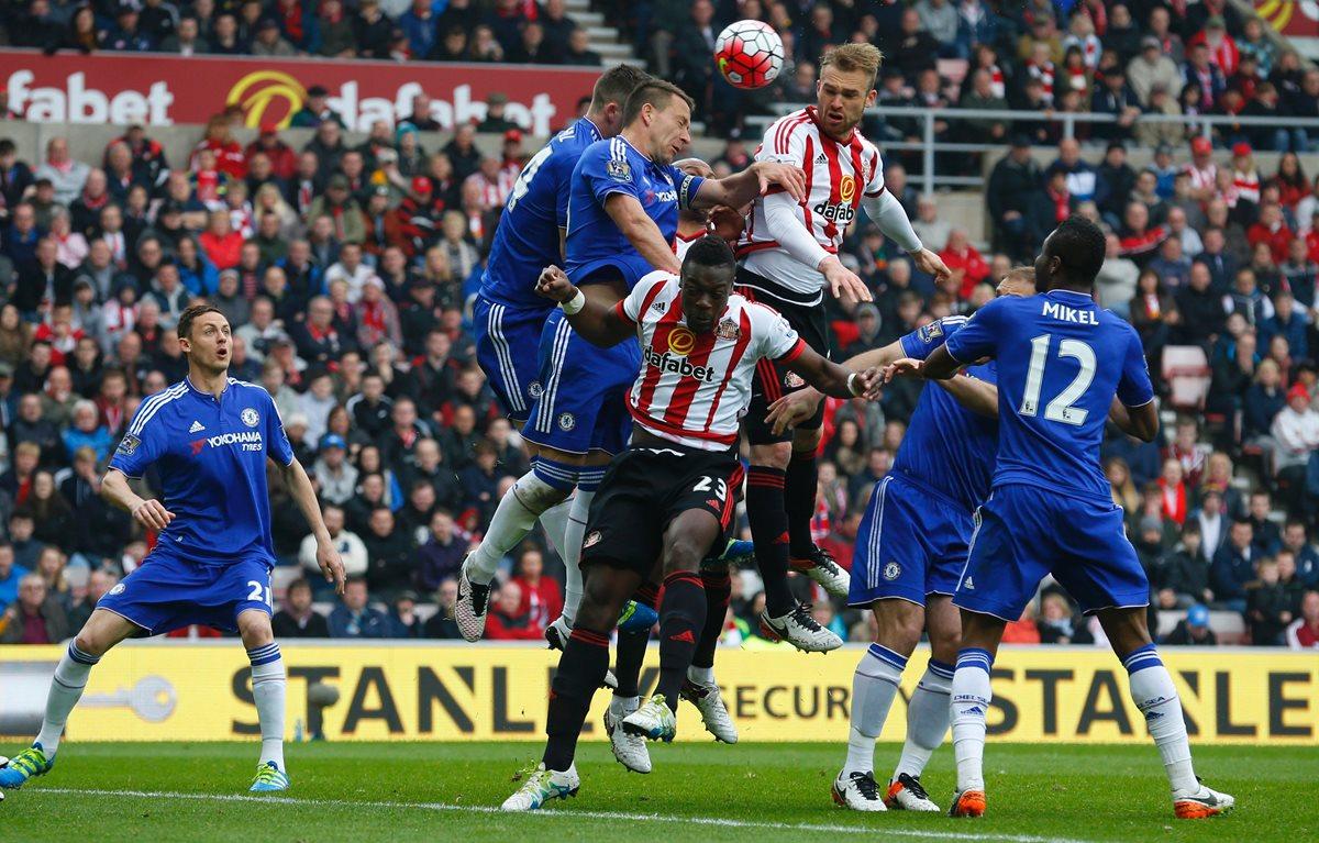Triunfo del Sunderland envía a segunda al Newcastle y al Norwich