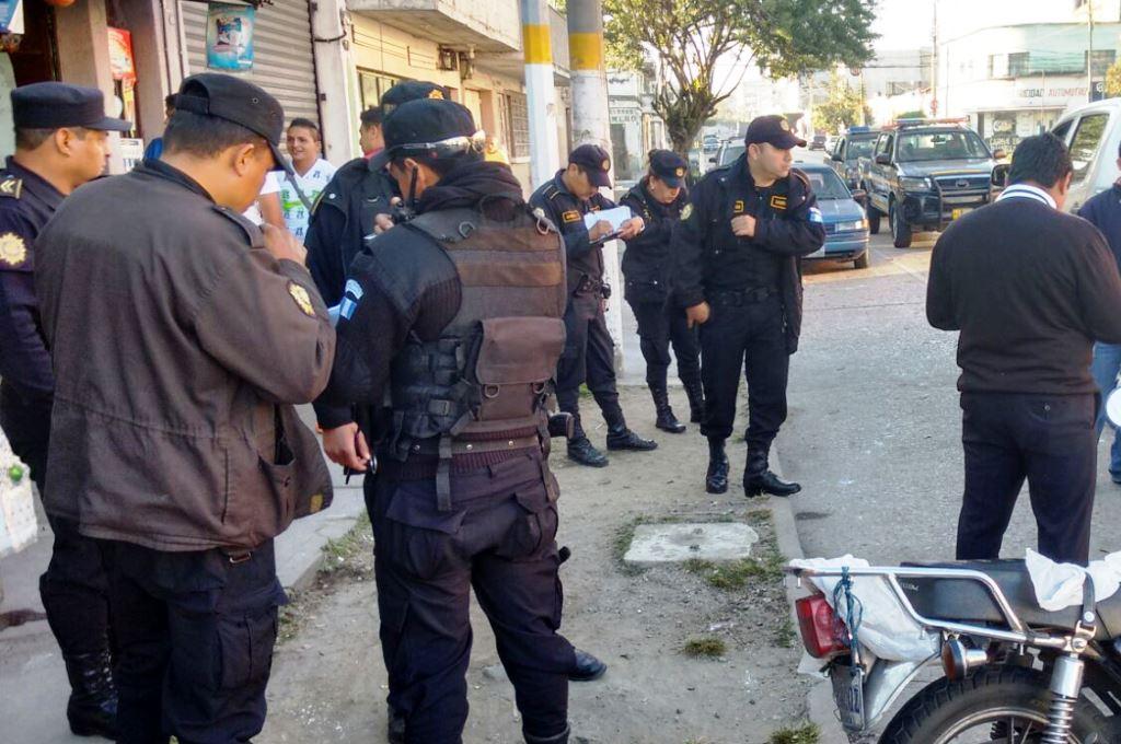 Roban vehículo de <em>Prensa Libre</em>