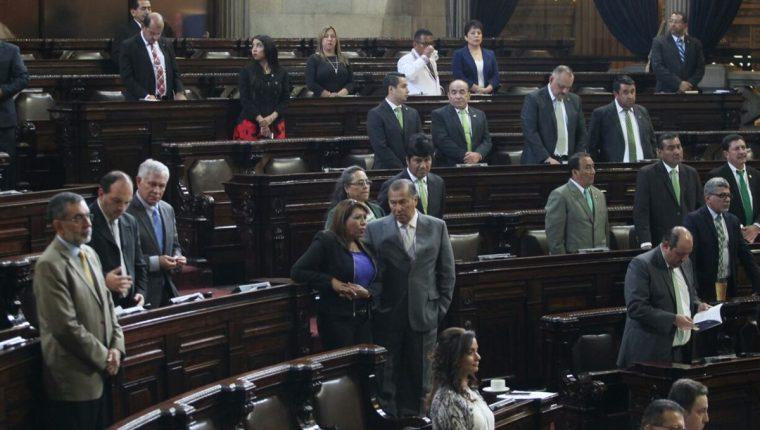 El quórum fue roto por diputados oficialitas, de MR y Todos, cuando presentaron una moción contra las comisiones extraordinarias. (Foto Prensa Libre: Érick Ávila)