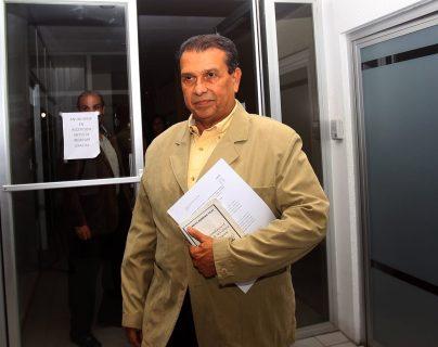 Dennis Alonzo, presidente de CDAG, envió a Fifa las sugerencias de los estatutos que regirán el futbol guatemaltecos. (Foto Prensa Libre: Carlos Vicente).