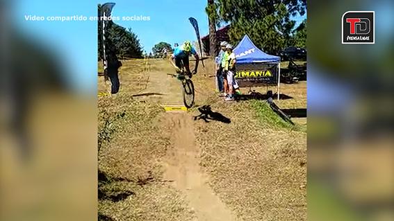 Ciclista sufre lesiones de consideración en campeonato de ciclismo de montaña