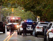 Policía de Pittsburgh en la escena del tiroteo. (Foto: Prensa Libre: AFP)