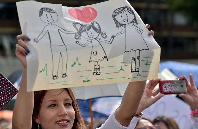 Los políticos en la región han incluido en sus discursos mensajes sobre la integración familiar y han puesto en la discusión pública temas como el aborto. (Foto Prensa Libre)
