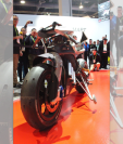 El desarrollo de vehículos autónomos también llega a las motocicletas (Foto Prensa Libre: AFP).