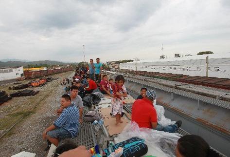 La Patrulla Fronteriza detiene al año cientos de niños que viajan hacia EE. UU. solos .( Foto Prensa Libre:ARCHIVO)