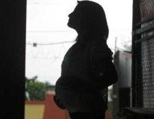 Los embarazos en niñas entre 10 y 14 años se ha incrementado en 17 departamentos del país. (Foto Prensa Libre: Hemeroteca PL)