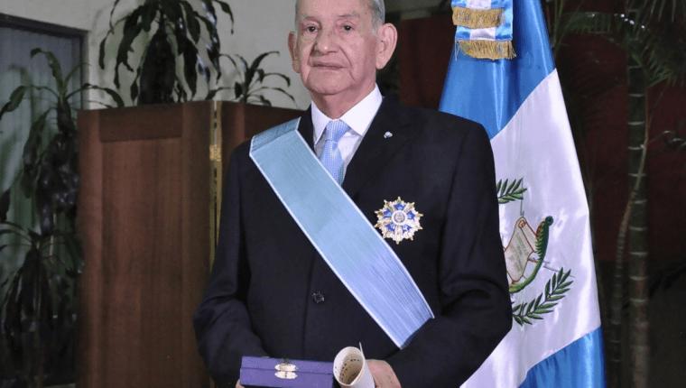 José Fernando Mazariegos recibió la Orden del Quetzal en el 2017. (Foto Prensa Libre: Cortesía Minex)