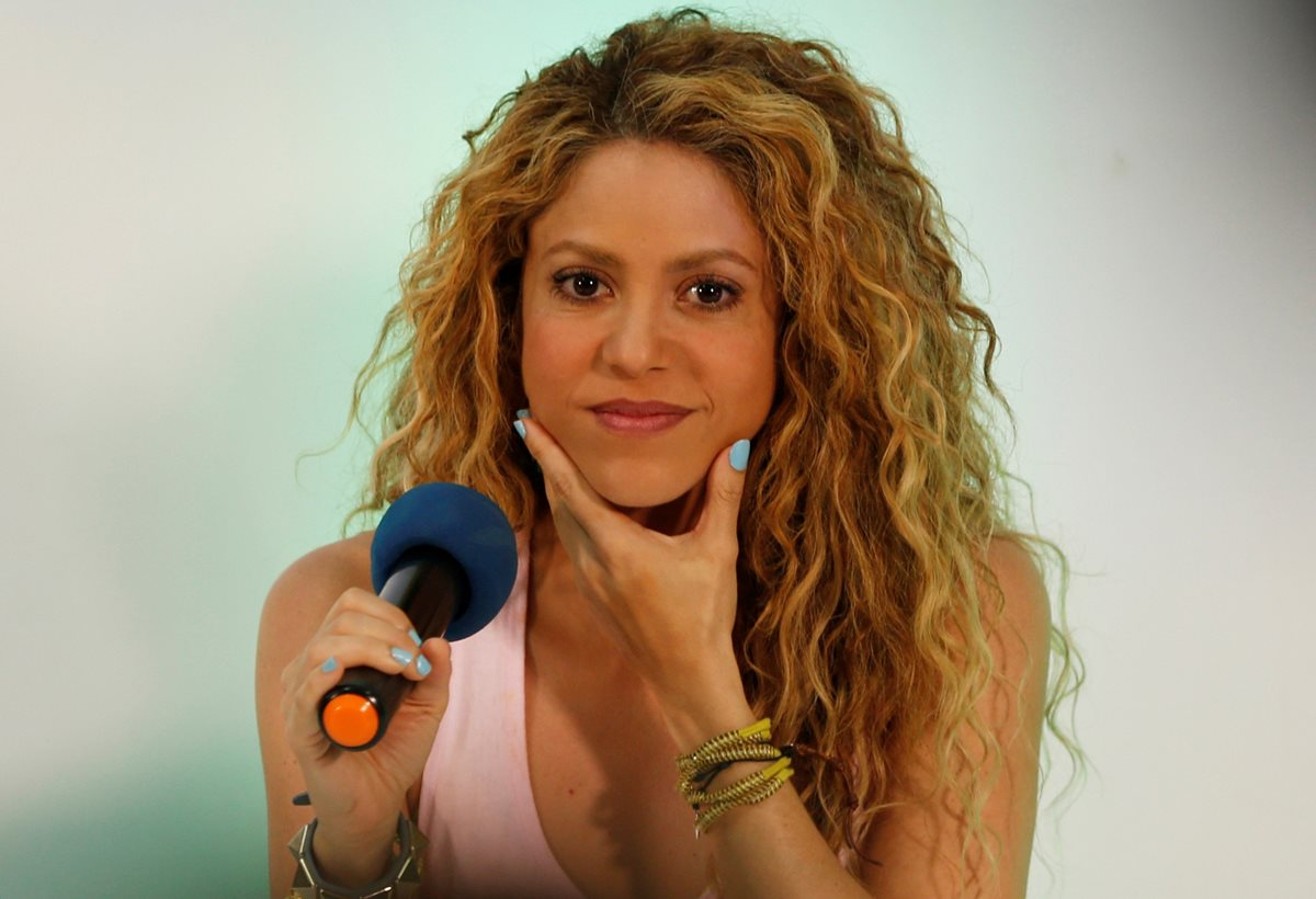 Fiscalía española se querella contra Shakira por seis delitos contra Hacienda.