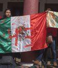 Activistas mexicanos protestan por la falta de acción del gobierno para resolver el caso de la desaparición de estudiantes. (Foto Prensa Libre: EFE).