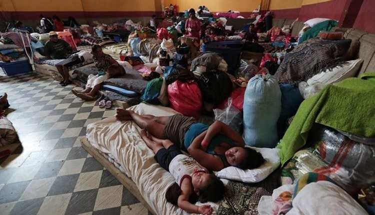 Familias afectadas esperan ser reubicadas tras permanecer tres semanas en albergues. (Foto Prensa Libre: Hemeroteca PL)