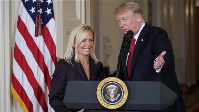 Donald Trump, el que día en que nominó a Kirstjen Nielsen como secretaria de Seguridad Nacional, el 12 de octubre del 2017. (Foto Prensa Libre: AFP)