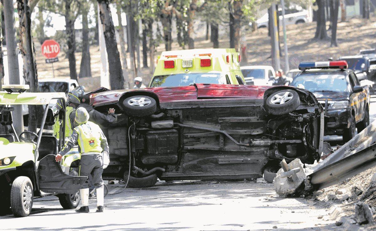 Autoridades de tránsito de la metrópoli reiteran la recomendación de no conducir bajo efectos de licor para evitar accidentes. (Prensa Libre: hemeroteca)