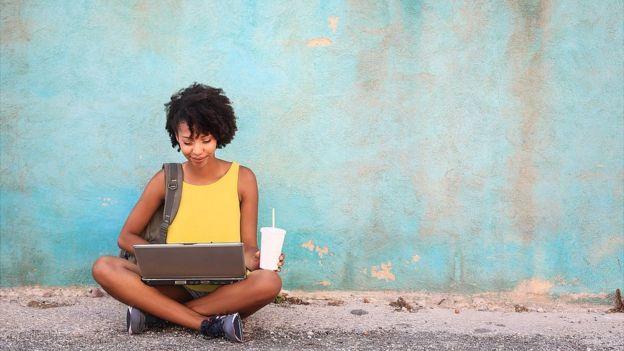 A los estudiantes no solo les interesa el nivel académico de las universidades sino cuánto les ayudará el grado a conseguir trabajo. (GETTY IMAGES)