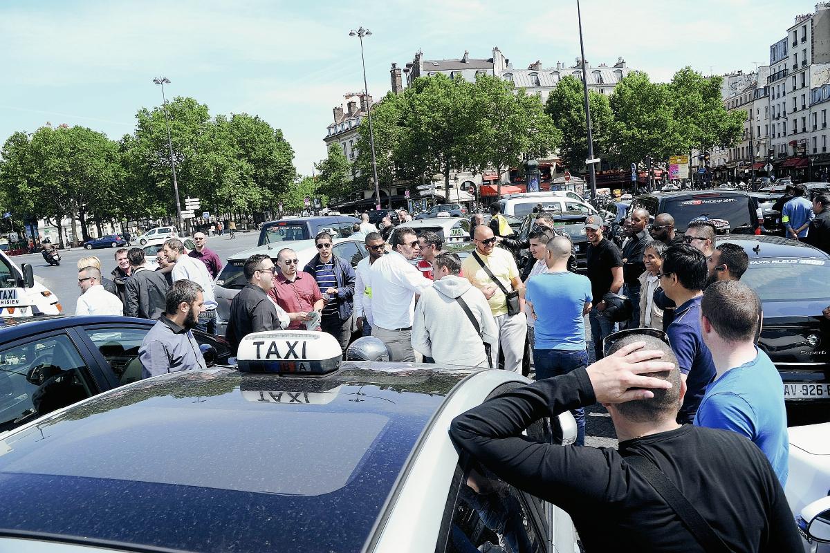 Taxistas se declaran en rebeldía