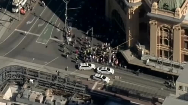 Atropello multitudinario en Melbourne. (Foto Prensa Libre: EFE)