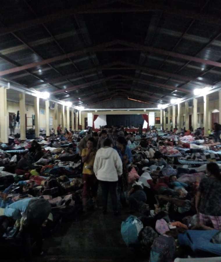 La Casa del Migrante está abarrotada. (Foto Prensa Libre: Óscar Rivas)