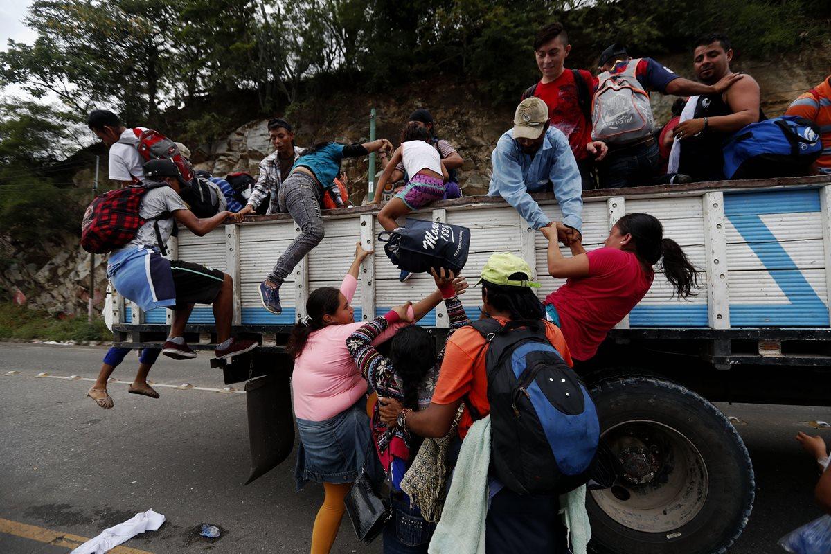 Honduras advierte del riesgo que corren los migrantes durante la travesía a EE. UU. (Foto Prensa Libre: EFE)