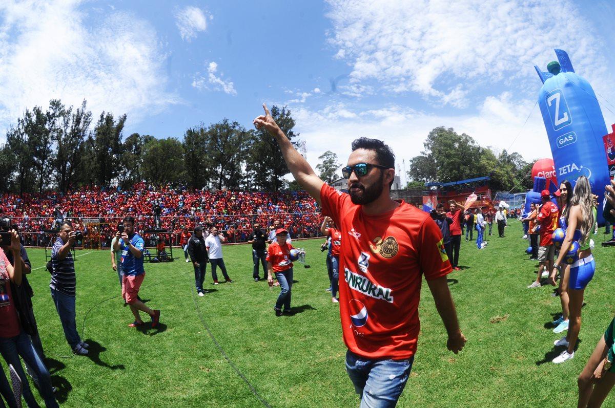 Carlos Kamiani continuará en el plantel escarlata. (Foto Prensa Libre: HemerotecaPL).