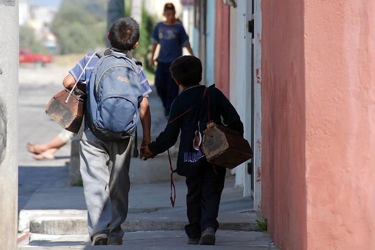En lo que va del año las autoridades han rescatado a ocho niños que eran explotados por adultos. (Foto Prensa Libre: Mario Morales)