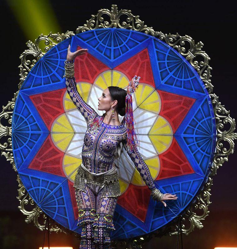 Catriona Gray nació en Australia pero representa a Filipinas (Foto Prensa Libre: AFP).