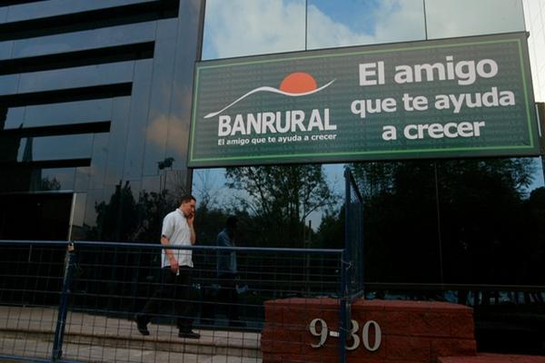 Implicados en caso de cooptación fueron separados de la dirección de Banrural