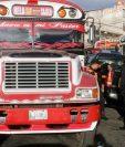 Más de cien mil trabajadores del transporte extraurbano viven crisis económica por tres meses de paralzación del servicio. (Foto Prensa Libre: Hemeroteca PL)