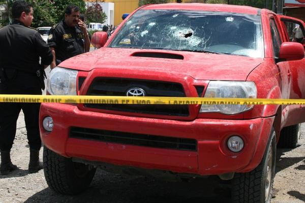 """Imagen de un vehículo perforado por armas de fuego durante un incidente violento en Cobán en agosto de 2008. (Foto: Archivo)<br _mce_bogus=""""1""""/>"""