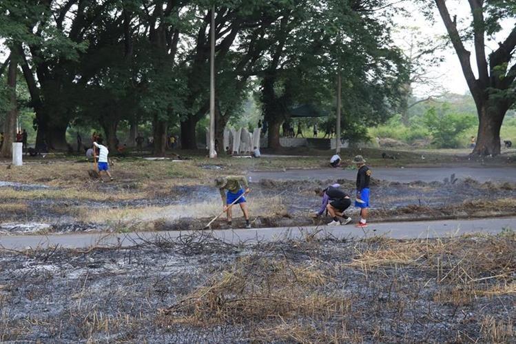 """Antes de empezar con la construcción del proyecto """"La Dignidad"""" donde se contempla la construcción de mil viviendas para los damnificados del Volcán de Fuego, se deben hacer trabajos de mitigación. (Foto Prensa Libre: Hemeroteca PL)"""