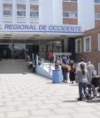 Entrada principal del HRO, donde se ubican decenas de vendedores informales de comida. (Foto HemerotecaPL)