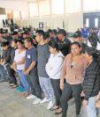 Las masivas detenciones de personas implicadas en estructuras criminales dedicadas a la extorsión no frenan ese delito que agobia a los guatemaltecos. (Foto Prensa Libre)