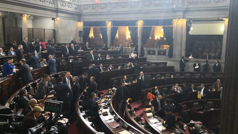 En el Congreso hubo la intención conocer una iniciativa para legalizar el transfuguismo. (Foto Prensa Libre: Carlos Álvarez)